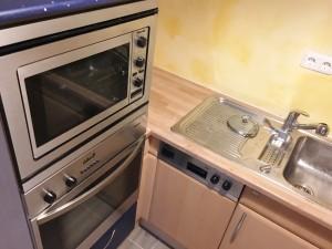 Küche ,Mikrowelle und Backofen